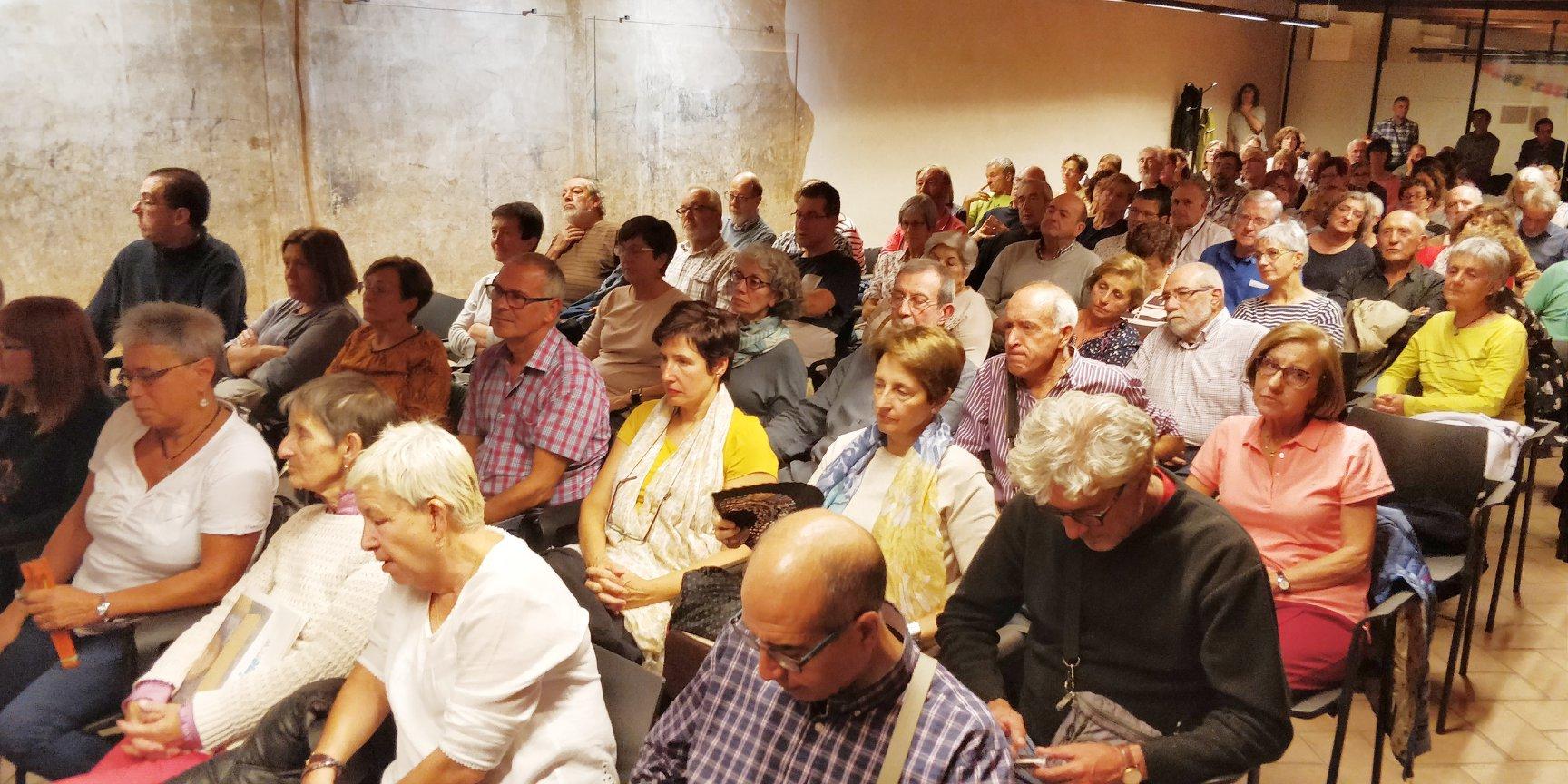 La sala del Condestable, llena escuchando las reflexiones sobre los ¿límites? de la libertad de expresión.